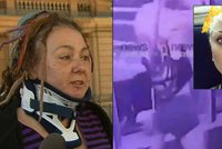 Sexy blondýna zaútočila sekyrou na dredařku, muže s ní zasáhla do obličeje