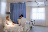 Sporný bod mezi ministry: Vláda bude řešit vážně nemocné i pečovatelky zdarma