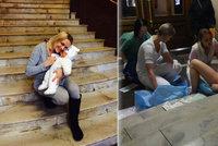 Porod na schodech v Podolí nebyl první: Rodí se před výtahem i u rybiček