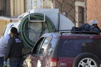 V autě našli 6 zmrzačených mrtvol, jejich hlavy byly v pytli na střeše