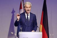 Nizozemci jdou po sporu s Turky k volbám. Favoritem je odpůrce muslimů Wilders