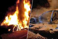 Jedno hořící auto, škoda tři miliony! U Olomouce shořelo Porsche Panamera
