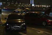 Nehoda autobusu a pěti aut na Barrandovském mostě: Mezi zraněnými bylo i dítě