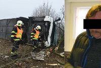 Vážná nehoda autobusu plného dětí na Lounsku: Řidič dostal kvůli porušení rychlosti podmínku