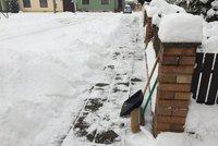 Sníh v Česku zabíjel: 3 lidé dostali při odklízení infarkt, 2 ho nepřežili