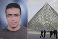 V Paříži u Louvru útočil 29letý Egypťan. Na policii odmítá vypovídat