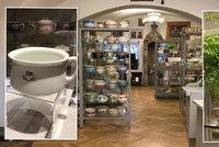 Muzeum vystavuje dva tisíce toalet. Mají i nočník z Titanicu či od Jana Ciny