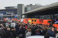 Policie uzavřela letiště v Hamburku. V klimatizaci byl pepřový sprej