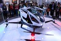 """V Dubaji začne létat """"drontaxi"""", uveze i stokilového člověka"""