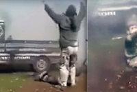 """""""Tati, zvedni mě"""": Otec odložil zmrzačeného syna, aby zvolal """"Allahu akbar"""""""