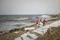 Rybáři našli 28 těl: Patřila uprchlíkům, kteří zemřeli hladem a žízní