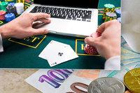 """Nákup v sexshopu i gambling. """"Začernění"""" výpisu z účtu u půjčky neprojde"""
