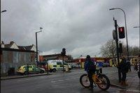 Další auto najelo do lidí. Řidič má na kontě pět zraněných v Londýně