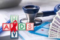 Léčení Čechů s AIDS stojí stovky milionů: Stát přitlačil na osvětu