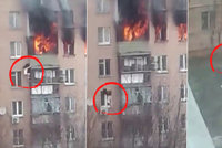 Žena vyskočila před ohněm z 8. patra! Boj o život zachytila kamera