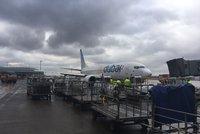 V Praze nouzově přistálo letadlo: Letiště počítalo s katastrofou