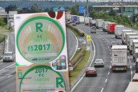 """Elektronické dálniční známky se blíží: 1500 Kč na 365 dní. """"Nečadiči"""" mají dálnici zdarma!"""