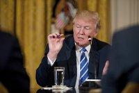 Trump prý povolil bezpilotní nálety na teroristy CIA, armáda ztratila výsadu