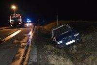 Tragická nehoda na Hodonínsku: Řidič uhořel ve vlastním autě!