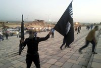 V Egyptě zaútočil ISIS. Konvoj zasáhla exploze i samopaly: 18 mrtvých