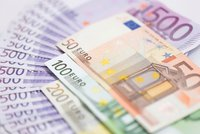 14 tisíc od státu každý měsíc? V Evropě startuje pokus s univerzálním příjmem