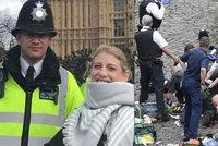 Mrazivé foto: Hrdinný policista se vyfotil s turistkou, za chvíli byl mrtvý