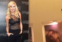 Sexy Simona Krainová: Na sociální síti opět dráždí pouze v podprsence