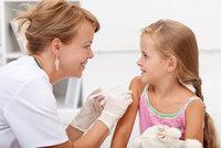 Kolize zákonů: Čtyřleté dítě bez očkování do školky nesmí, pětileté musí