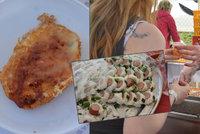 """Sushi s párkem i smažená tatranka: Pražané si """"pochutnávali"""" na gastro blafech"""
