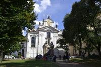 Strahovský klášter zmodrá: Na podporu autismu se modře rozsvítí i další budovy