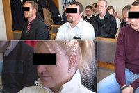"""Opilou ženu u mříží """"ukřižovali"""": Policisté odešli od soudu s podmínkou"""