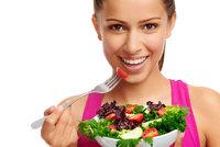 Vegetariáni, pozor: Zelenina slyší, když ji jíte, a brání se, tvrdí vědci