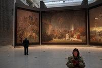 Spor o Slovanskou epopej pokračuje. O jejím osudu budou znovu rozhodovat soudy