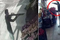 Zelináře ohrožoval muž s puškou. Prodavač ho zahnal na útěk házením rajčat