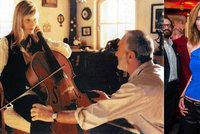 Poznali byste Svěrákovu múzu Blanku z Kolji? Violoncellistka Šuvadová chrastí kostmi!