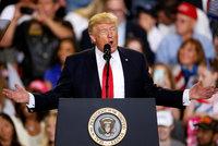 Trump smetl kritiky: Novináři nejsou v obraze. Plním jeden slib za druhým