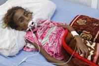 Srdceryvné foto: Holčička (†7) vyhladověla k smrti, jídlo neměla kvůli válce