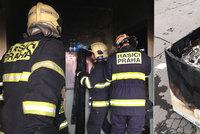Hasiči evakuovali panelák na Proseku: Kvůli požáru bytu, který způsobila pračka