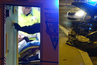 Policisté na zfetovaného řidiče použili taser: Ujížděl, boural a odmítl vystoupit
