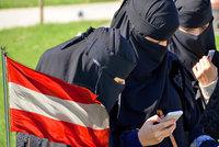 Za zahalenou tvář až čtyřtisícová pokuta. Rakousko jde tvrdě proti muslimkám