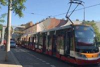 V Praze 5 se srazily tramvaje: Mezi Smíchovským nádražím a Barrandovem jezdí autobusy