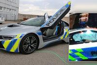 Policie zrušila půjčené superžihadlo BMW i8: Řidič dostal mrtvici