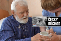 Přivazování, zákaz pití a týrání: Řada seniorů v pečovatelských domech trpí