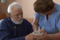 Pečují o seniory a postižené. Sestry tu dva tisíce navíc ale zřejmě nedostanou