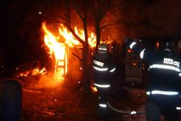 """Náčelník hasičů úmyslně založil obrovský požár: Usvědčilo ho GPS, a navíc """"hasil jenom trochu"""""""