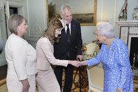Zeman vzal ke královně celou rodinu. Dcera Kateřina potěšila Alžbětu kloboučkem