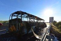 Na Šumpersku hořel autobus na plyn, bez zranění