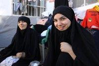 Manželky džihádistů promluvily: Vraždy nám nevadí, žárlíme na sexuální otrokyně