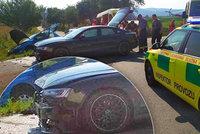 Dvě auta se srazila na Plzeňsku: Pro zraněného spolujezdce (80) přiletěl záchranářský vrtulník