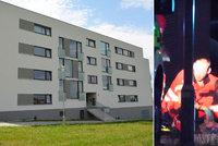 Z okna luxusní bytovky vypadl chlapeček (†6): Boj o život prohrál v nemocnici